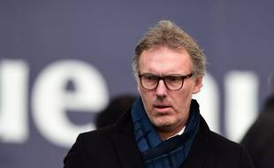 Laurent Blanc assiste au match entre Bordeaux et Rennes, le 17 mars 2018.