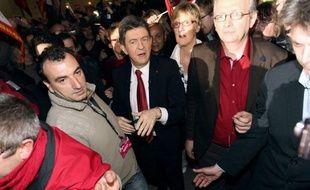 Jean-Luc Mélenchon, candidat du Front de gauche, est crédité pour la première fois de 10% d'intentions de vote au premier tour de la présidentielle, dans un sondage de l'institut CSA pour BFMTV, 20 minutes et RMC.