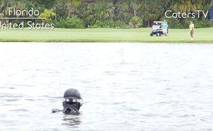 Cet Américain est devenu millionnaire en récupérant les balles de golf envoyées à l'eau.