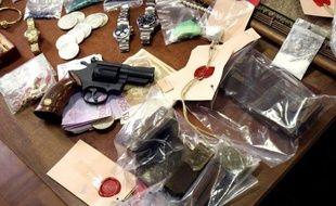 Les avoirs criminels des trafiquants de drogue, de plus en plus saisis par la police et la justice, financent en partie l'action des enquêteurs tout en empêchant les malfaiteurs, désormais sans un sou à leur sortie de prison, de financer un nouveau trafic de grande ampleur.