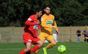 Florent Pasquier sous le maillot jaune de Saint-Philbert-de-Grand-Lieu.