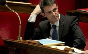 Le Premier ministre Manuel Valls lors des questions au gouvernement le 1er décembre 2015 à l'Assemblée nationale à Paris