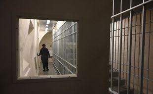 Un couloir du nouveau quartier de prévention de la radicalisation (QPR), à la prison de la Santé, à Paris, le 12 juillet 2019.