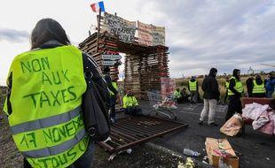 """Des """"Gilets jaunes"""" à Frontignan, le 3/12/2018. Photo by PASCAL GUYOT / AFP)"""