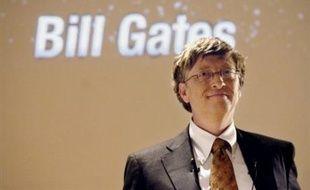 """Le groupe créé par Bill Gates domine le monde des micro-ordinateurs mondiaux avec ses logiciels, mais n'est qu'un lilliputien dans la publicité en ligne. Il justifie son offre par le fait que ce marché """"croît à un rythme très rapide et passera de 40 milliards de dollars en 2007 à 80 milliards en 2010""""."""