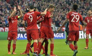 Thomas Müller fête son but contre Arsenal le 4 novembre 2015.