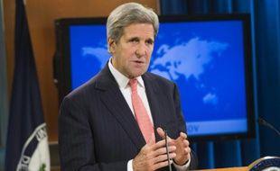 Le Secrétaire d'Etat John Kerry parle lors de la publication du panorama annuel mondial sur les libertés religieuses, le 14 octobre 2015 à Washington aux Etats-Unis