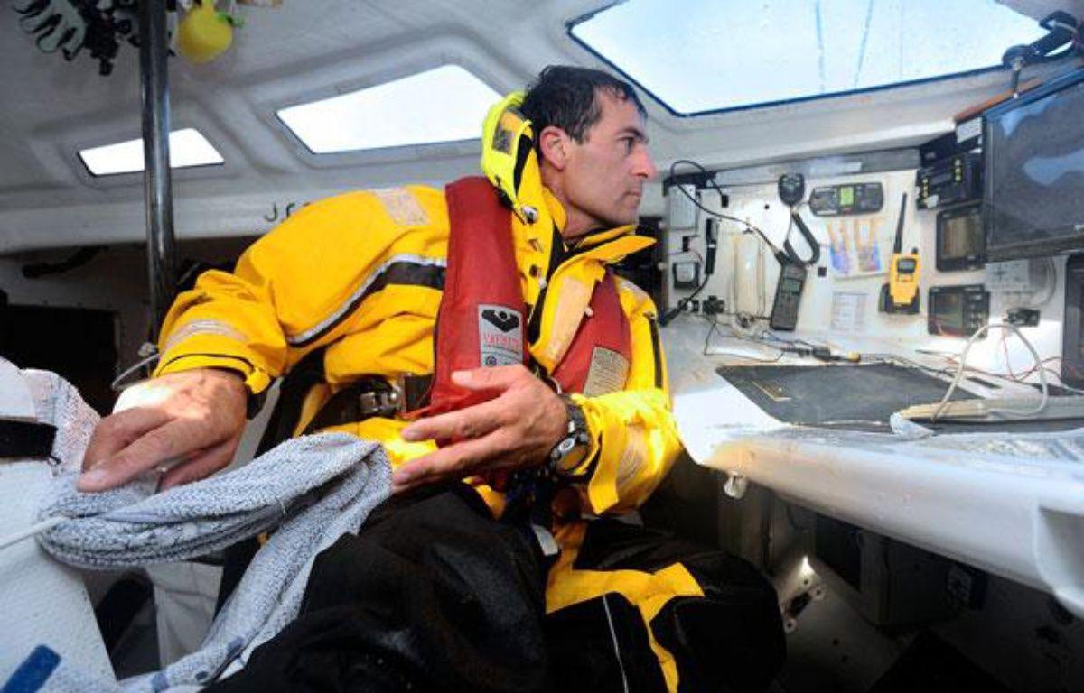 Le skipper italien Alessandro Di Benedetto, l'un des concurrents du Vendée Globe 2012. – JEAN-SEBASTIEN EVRARD / AFP
