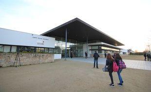 Le collège Andrée Récipon d'Orgères où un professeur d'EPS soupçonné de pédophilie a été suspendu.
