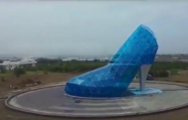 Ceci n'est pas une chaussure, mais une église.