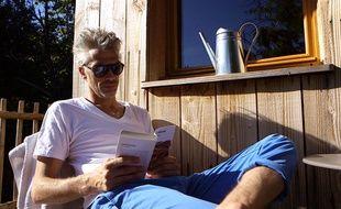 Le journaliste Pierre-Olivier Labbé a vécu 90 jours sans smartphone ni Internet pour un film diffusé sur Canal+ le mercredi 25 février en prime time.