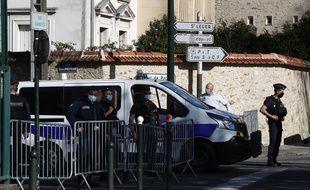 Une fonctionnaire de police a été tuée dans une attaque au couteau au commissariat de Rambouillet, le 23 avril 2021.