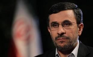 """L'Iran """"n'a pas besoin de la bombe atomique"""" pour affronter Washington et ses alliés, a réaffirmé mardi le président Mahmoud Ahmadinejad, alors que l'AIEA s'apprête à publier un rapport accréditant les soupçons occidentaux sur une activité nucléaire iranienne militaire."""
