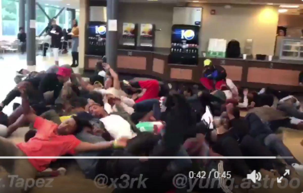Capture d'écran d'une vidéo relevant le #trumscomingchallenge, partagé sur Twitter.  – Twitter