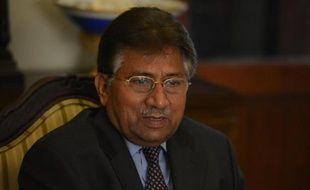 """L'ex-président pakistanais Pervez Musharraf a été transporté d'urgence jeudi dans un hôpital militaire en raison de """"problèmes cardiaques"""", un rebondissement spectaculaire dans la saga politico-judiciaire du général à la retraite jugé pour """"trahison""""."""