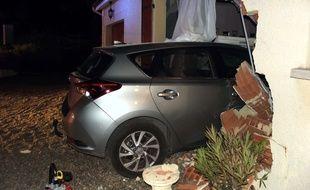 Les pompiers de Martel et de Souillac ont secouru les deux victimes qui ont encastré leur voiture dans leur habitation.