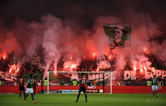 Le festival de craquages de fumis au stade Geoffroy-Guichard, en mai, avait incité la commission de discipline à sanctionner l'ASSE de deux matchs à huis clos partiel.