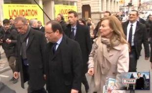 Valérie Trierweiler et François Hollande dans les rues de Tulle (Corrèze), dimanche 7 avril 2013