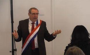 Joseph Carles, le maire divers gauche de Blagnac, lors de son élection en conseil municipal du 26 mai 2020.