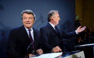 """Après la photo officielle de la poignée de mains entre Jean-Louis Borloo et François Bayrou il y a trois semaines, """"l'Alternative"""" qui rassemble l'UDI et le MoDem, réunit l'ensemble de ses troupes mercredi à Paris pour fixer un cap, un calendrier et des méthodes de travail pour les mois à venir."""