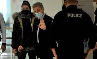 Nicolas Sarkozy à son arrivée au tribunal de grande instance de Paris, le 10 décembre 2020.