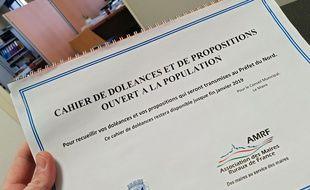 Le cahier de doléances mis en place à Pont-à-Marcq, dans le Nord.