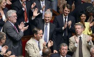 """Le nouveau président de l'Assemblée nationale, Claude Bartolone (PS) a appelé mardi les députés au """"strict respect"""" des """"valeurs de la République"""", promis de protéger les droits de l'opposition et de faire du Palais-Bourbon """"une maison de verre""""."""