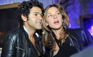 La journaliste Mélissa Theuriau et le comédien-humoriste Jamel Debbouze se marient mercredi en région parisienne avant des festivités organisées à Marrakech (Maroc), a-t-on appris mardi auprès de la gendarmerie et de l'entourage du comédien, confirmant des informations du magazine VSD.