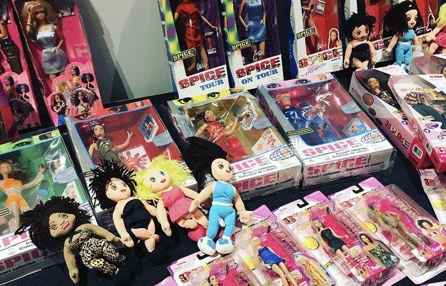 Des poupées Spice Girls pas forcément officielles.