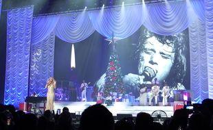Mariah Carey rend hommage à Johnny, le 9 décembre 2017.
