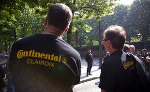Le 20 mai 2012. Les Contis, ex-salaries de l'usine de pneus Continental a Clairoix, organisent une action a Paris.    /// V. WARTNER / 20 MINUTES