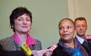 """La procréation médicalement assistée (PMA) ne figurera pas dans la loi sur le mariage pour tous, examinée à partir de jeudi par le Sénat, et """"sera abordée"""" lors des discussions en fin d'année sur la loi famille, a répété dimanche la ministre déléguée chargée de la famille Dominique Bertinotti."""