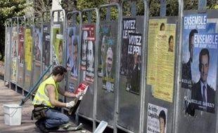 Les comptes des douze candidats à l'élection présidentielle de 2007 ont été validés, a annoncé mercredi la Commission nationale des comptes de campagne et des financements politiques (CNCCFP).