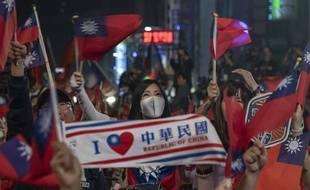 Des Taïwanais soutenant à Taipei le parti nationaliste KMT, le 11 janvier 2020.