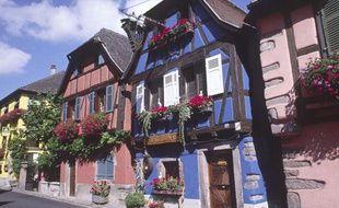 Des maisons à colombage du centre-ville de Riquewhir, en Alsace.