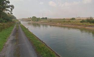Les bords du canal du Nord, à Hermies (59)