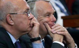 La deuxième conférence sociale de l'ère Hollande s'achève vendredi, avec une feuille de route concentrée sur l'emploi et l'épineux dossier des retraites, sujet qui a donné lieu à des échanges très vifs entre syndicats et patronat.