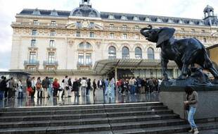 Le musée d'Orsay a rouvert ses portes en fin de matinée jeudi, après six jours d'un mouvement de grève entamé la semaine dernière par une partie des personnels qui réclamaient des effectifs supplémentaires, a-t-on appris auprès de la direction du musée.