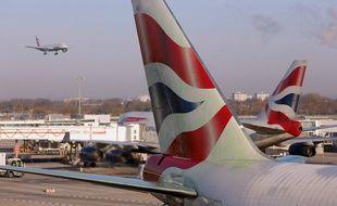 Les voyageurs étrangers arrivant au Royaume-Uni devront se mettre en quarantaine pendant 14 jours.