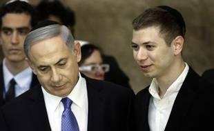 Benjamin et Yaïr Netanyahou, le 18 mars 2015 à Jérusalem.