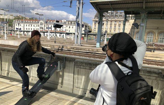 Sokhna photographie à Perrache la vice-championne du monde de snowboard cross Chloé Trespeuch.