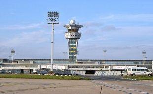 Illustration d'une tour de contrôle du trafic aérien