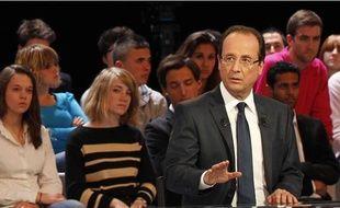 François Hollande sur le plateau de Des paroles et des actes, le 11 avril 2012.