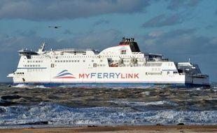 La Commission de la concurrence britannique a décidé jeudi d'interdire l'exploitation des ferries de la compagnie SeaFrance repris par Eurotunnel au départ du port britannique de Douvres, pour éviter une augmentation des tarifs, une décision dont Eurotunnel va faire appel.