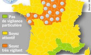 La Nièvre et l'Yonne ont rejoint la liste de 27 départements déjà en vigilance orange depuis le début de la matinée, dans les régions Centre, Haute-Normandie, Ile-de-France, Nord-Pas-de-Calais, Picardie, ainsi que les départements des Ardennes, l'Aube, la Loire-Atlantique, le Maine-et-Loire, la Marne et la Vendée.