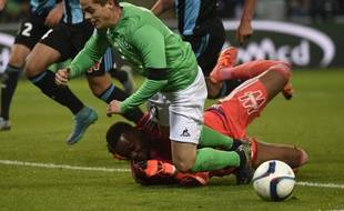 L'audace de Romain Hamouma n'est pas tout le temps récompensée. Face à l'OM de Steve Mandanda (0-2) deux semaines plus tôt, l'attaquant stéphanois avait reçu un carton jaune pour simulation.