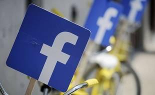 Des logos Facebook à Austin, Texas, le 24 juillet 2014.