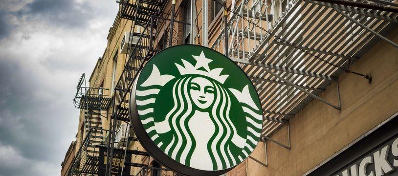 Enseigne d'un Starbucks Coffee. (Illustration)