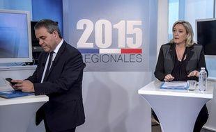 Xavier Bertrand (LR) et Marine Le Pen (FN), lors d'un débat sur France 3 Lille.