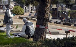 En 2007, 51 tombes du carré juif du cimetière de Lille-Sud sont détériorées.